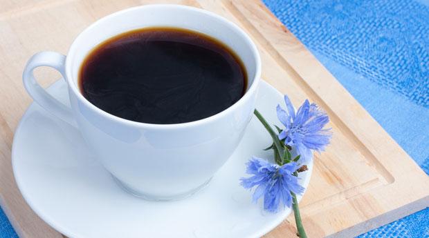 Цикорий добавляют в кофе
